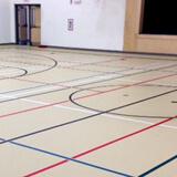 Plancher de gymnase pour les activités sportives - Coulé en polyuréthane sans joints