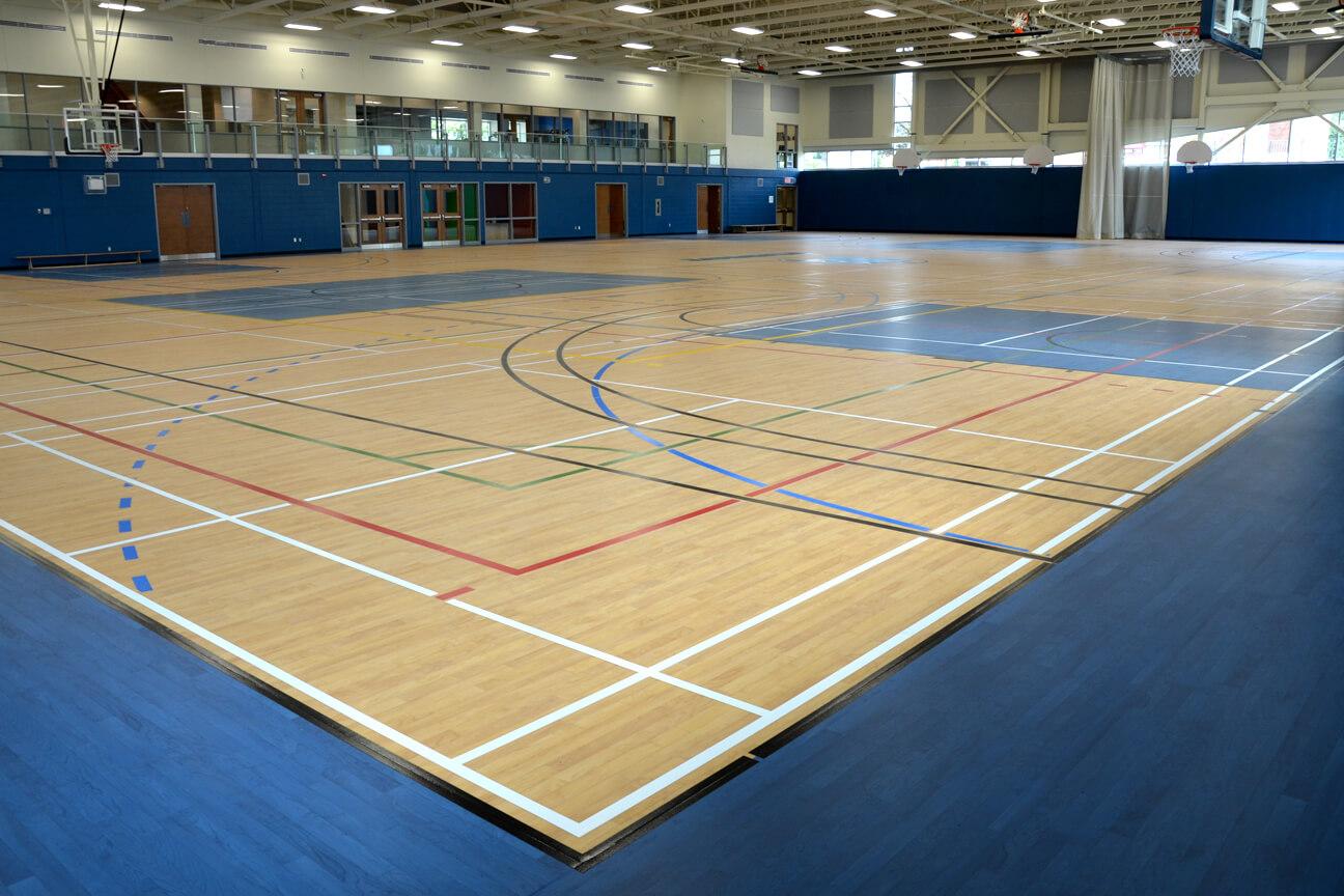 Gymnasium flooring Omnisports 8.3 at Durocher College (Saint-Lambert, Quebec)