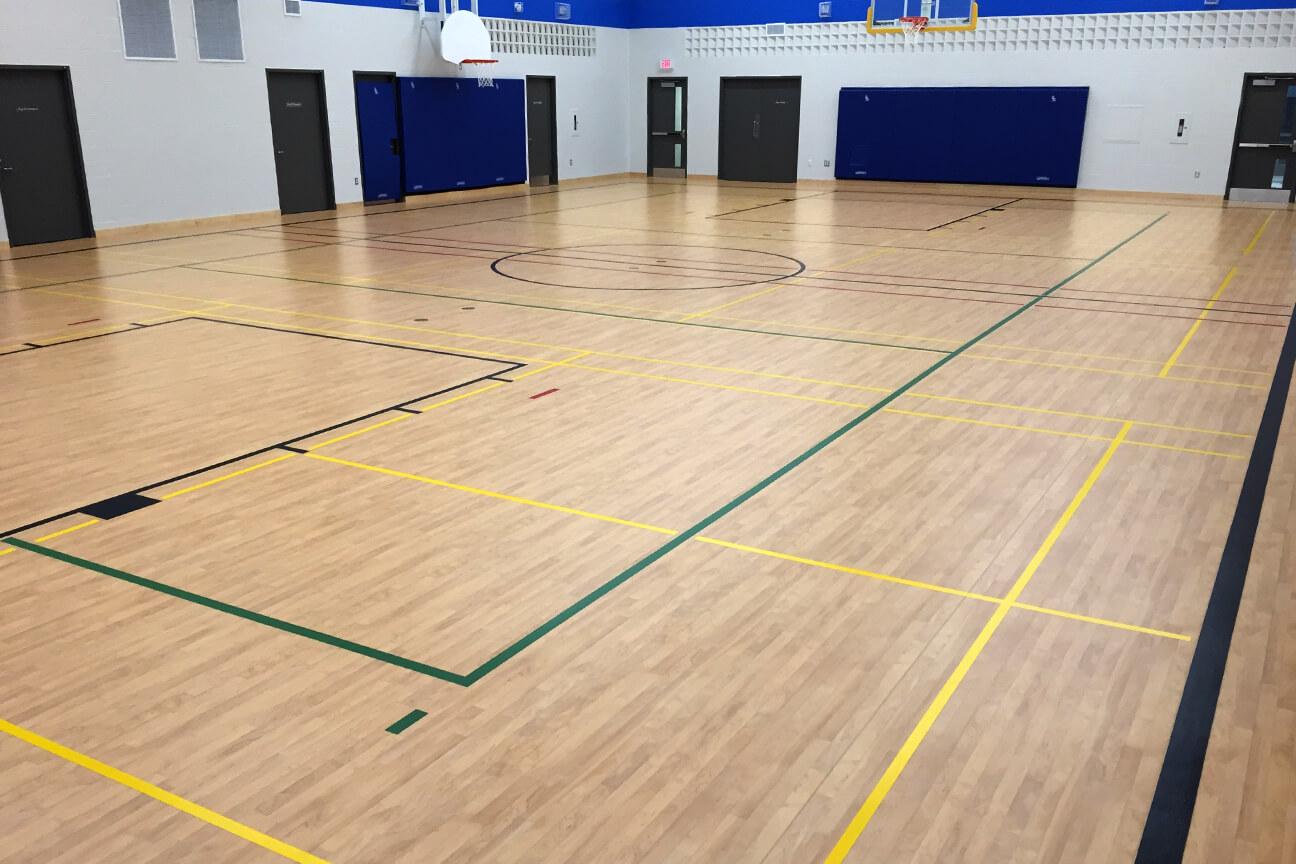 Gymnasium flooring Omnisports 8.3 at the Guardian Angels School (Hamilton, Ontario)