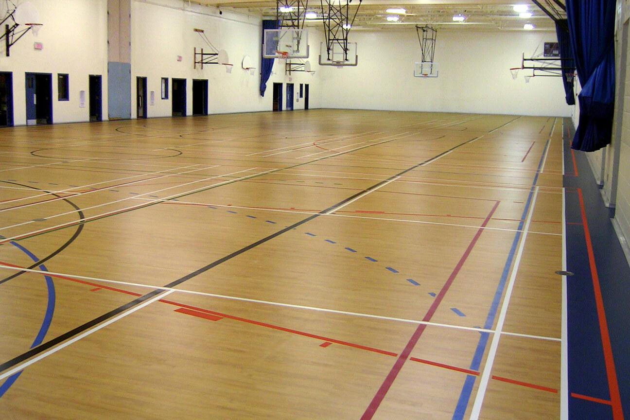 Gymnasium flooring Omnisports 6.5 at Rosemere High School (Rosemere, Quebec)