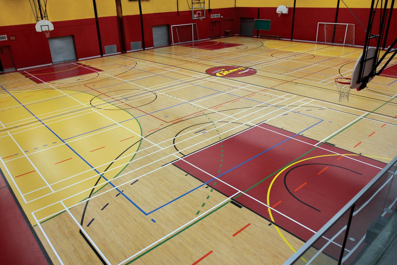 Gymnasium flooring Omnisports 3.5 at Saint-Jerome High School (Saint-Jerome, Quebec)