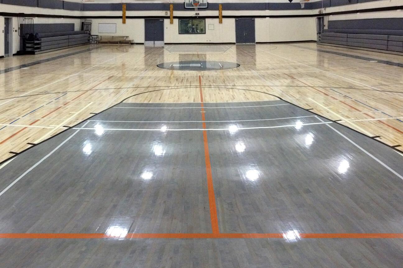 Gymnasium flooring Action hardwood at the Thom Collegiate High School (Regina, Saskatchewan)