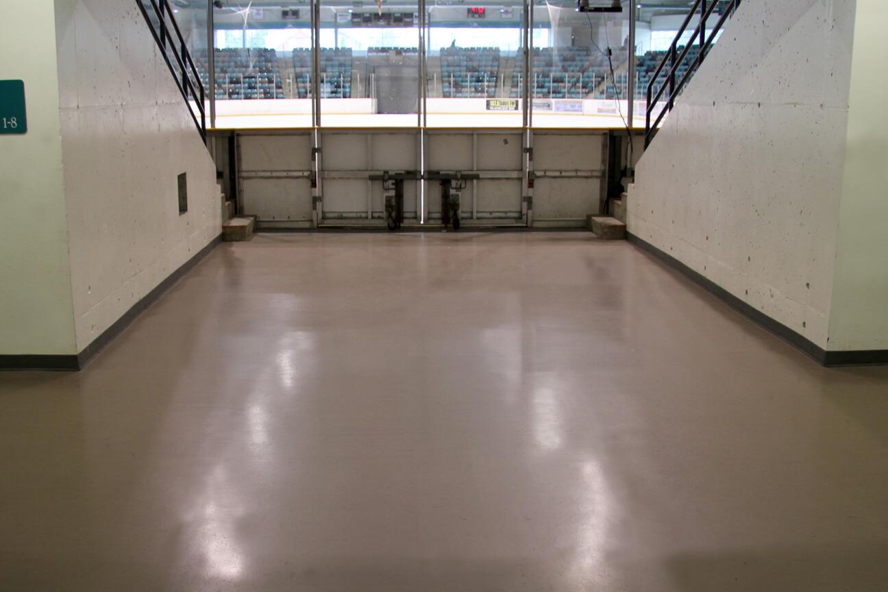 Plancher d'aréna en caoutchouc MaxFlor au complexe récréatif Waterloo (Waterloo, Ontario)