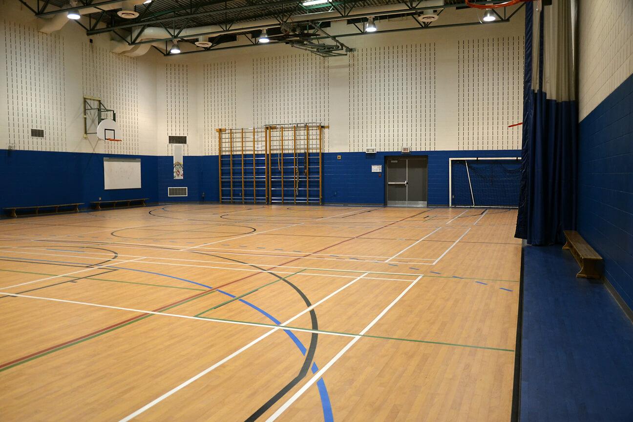 Gymnasium flooring Omnisports 6.5 at Armand-Frappier School (Saint-Constant, Quebec)