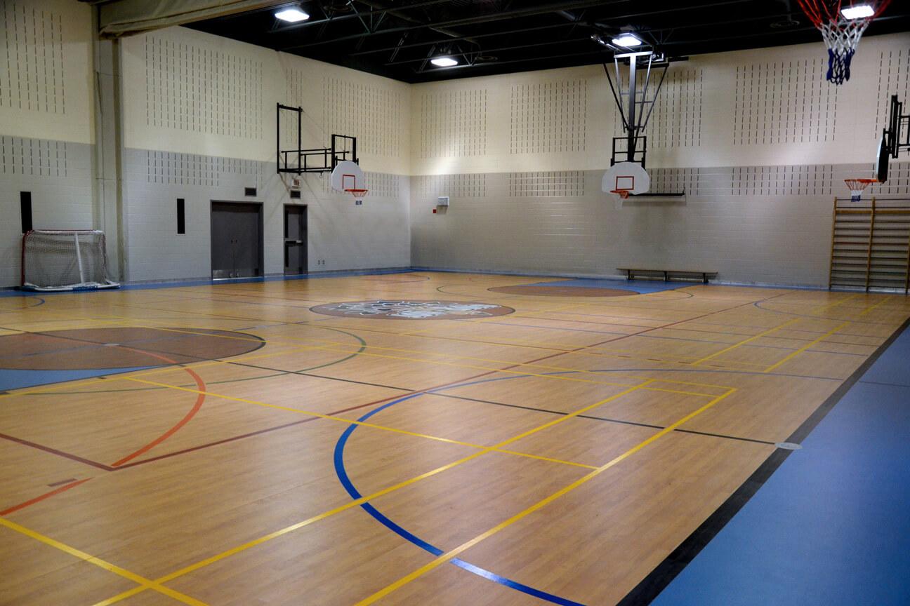 Gymnasium flooring Omnisports 3.5 at Joli-Bois School (Sainte-Sophie, Quebec)