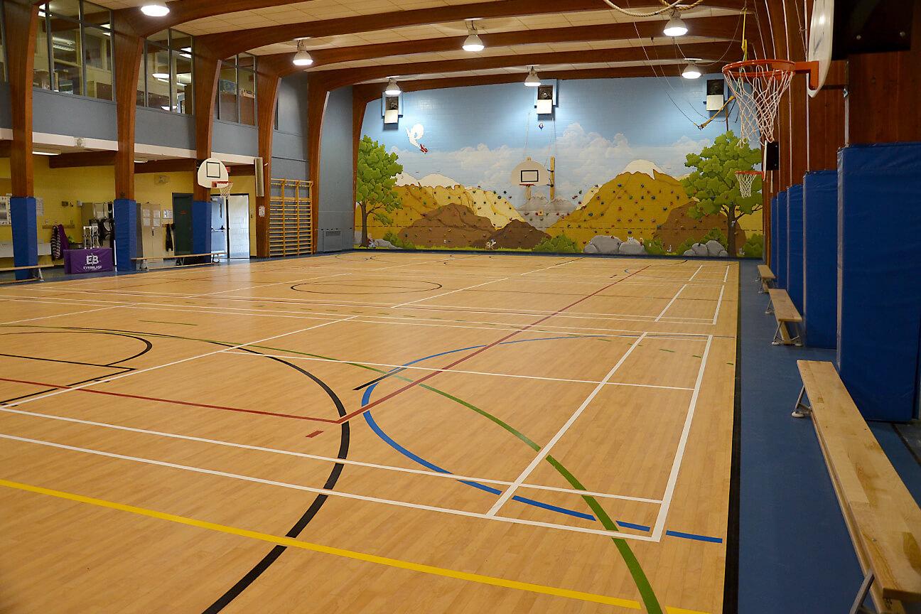 Gymnasium flooring Omnisports 6.5 at Saint-Isidore-Langevin School (Saint-Isidore-de-Laprairie, Quebec)