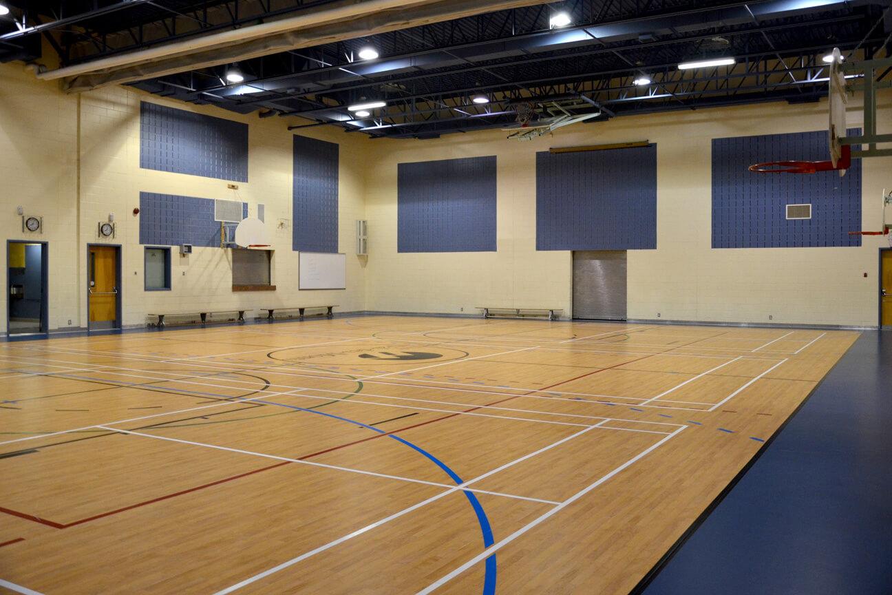 Gymnasium flooring Omnisports 3.5 at Val-des-Monts School (Prevost, Quebec)