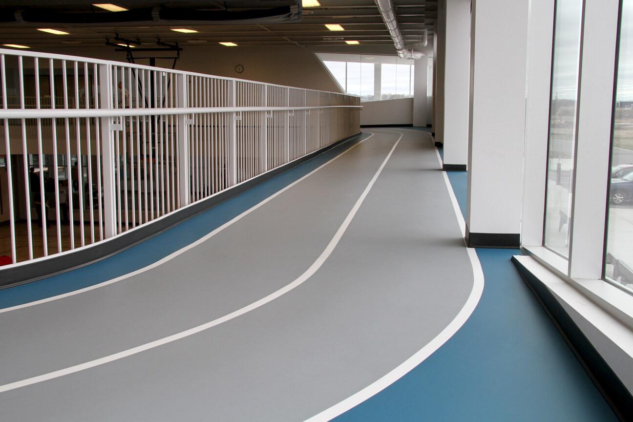 Piste de course en polyuréthane à deux corridors au YMCA Stork (Waterloo, Ontario)
