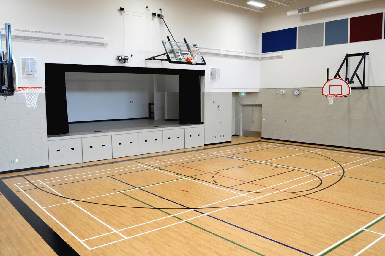 Gymnasium flooring Omnisports 6.5 at Holy Mary Catholic School (Martensville, Saskatchewan)